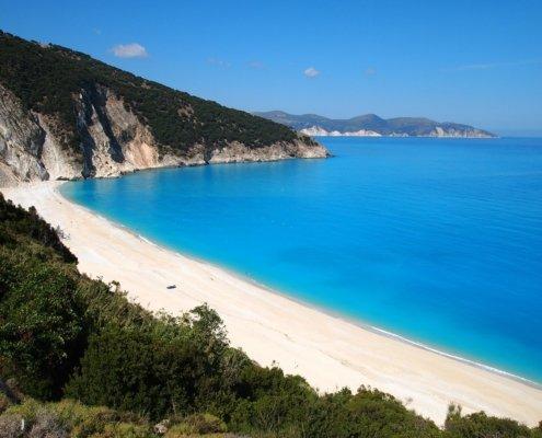vacanze in barca a vela con skipper in grecia spiaggia cefalonia