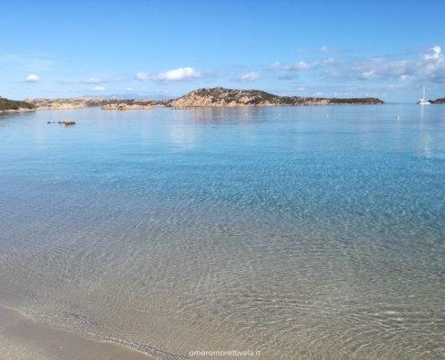 vacanze in barca a vela con skipper in Sardegna budelli spiaggia
