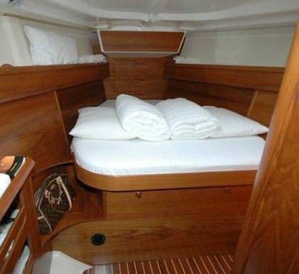 barche a noleggio senza skipper sun odyssey prua
