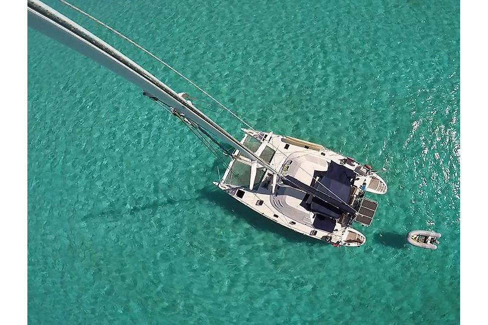 vacanze in catamarano vista dall'alto