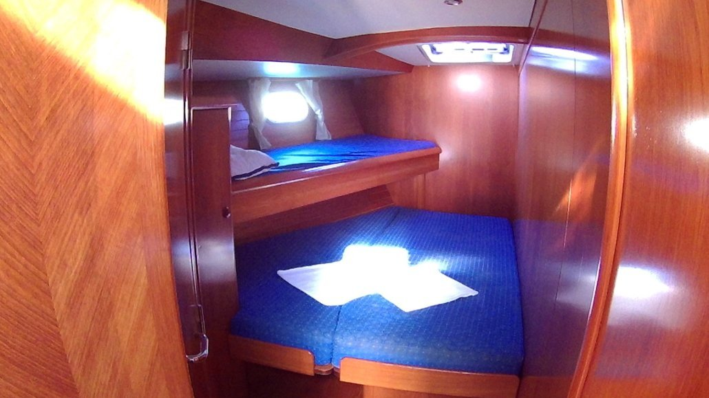 Sun Odyssey 52.2 cabina prua