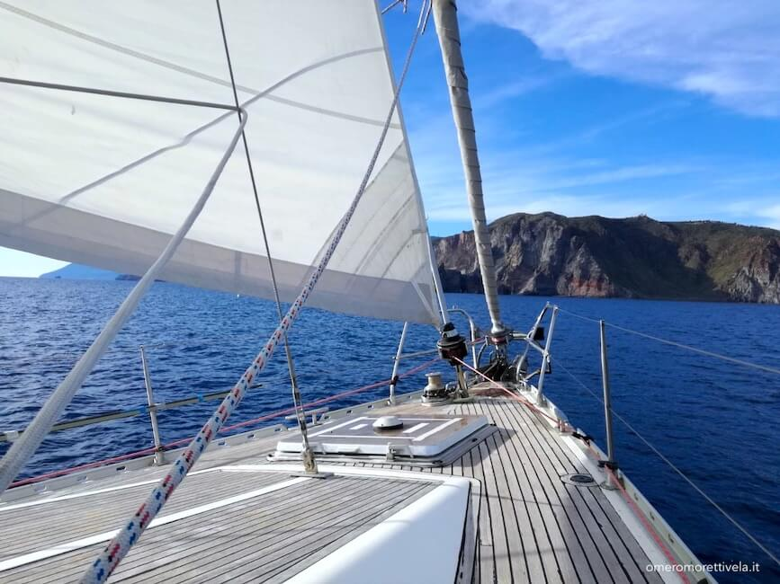 vacanze in barca a vela eolie barca freya